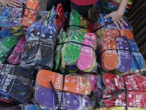 Tsinelas Distribution at Brgy. Sawang Calero on August 17, 2014 (1)