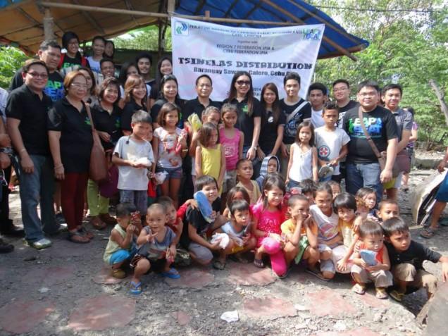 Tsinelas Distribution at Brgy. Sawang Calero on August 17, 2014 (6)
